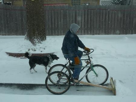 ↑ 雪かき自転車