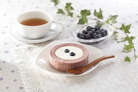 ↑ プレミアム ブルーベリーとチーズのロールケーキ