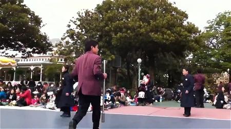 ↑ 地震発生時のディズニーランドを撮影した動画。