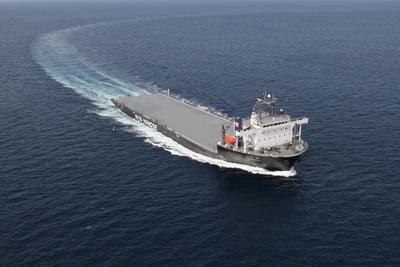 ↑ 特殊重量物輸送船YAMATAI
