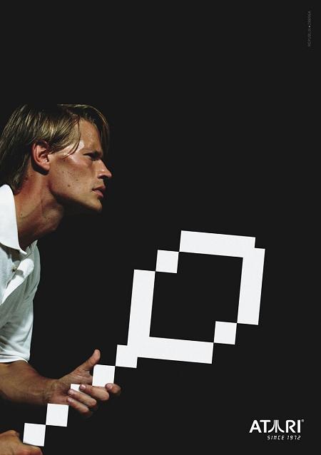 ↑ テニスプレイヤーが手にするものは