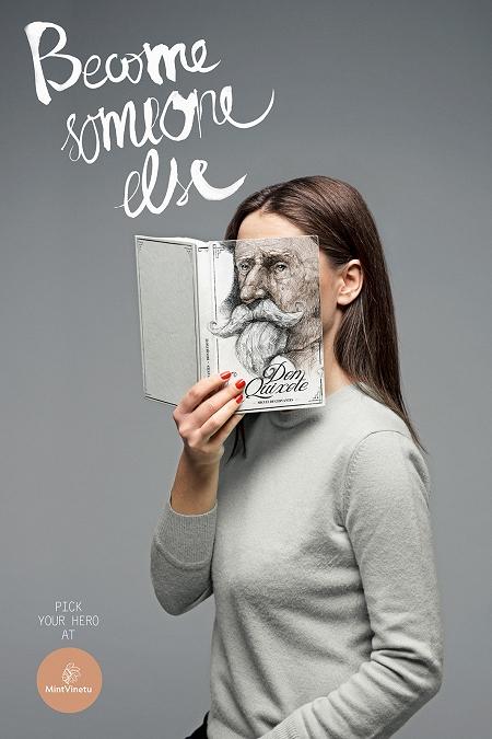 ↑ 表紙に描かれている顔のデザインが立ち読みをしている本人に……