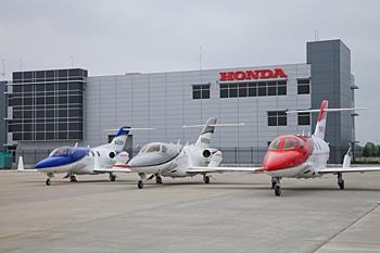 ↑ HondaJet(左から順にコンセプト実証機、量産型初号機、量産型3号機)