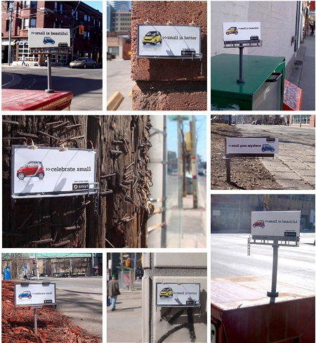 ↑ 町のあちこちに配される、スマートな「Smart」の屋外看板広告