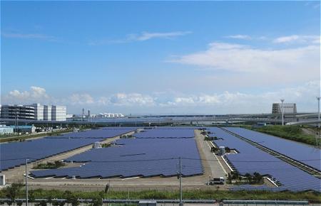 ↑ 浮島太陽光発電所外観(プレスリリースより)