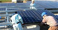 浮島太陽光発電所作業風景