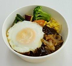 ↑ 1/3日分の野菜ロコモコ丼