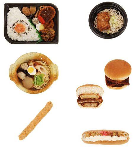 ↑ 今回発売される食品群。左が上から「1合飯弁当」「おでん風スープパスタ」「ジャンボタルタルチキンスティック」。右は「レンジ唐揚げそば」「ブレッドファクトリー欲張りバーガー コロッケ・ハムカツ・メンチカツ」「カレーちくわ天ロール」