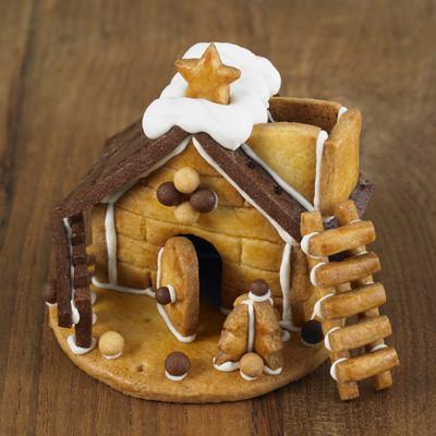↑ 自分でつくる 小さなクリスマスヘクセンハウス。