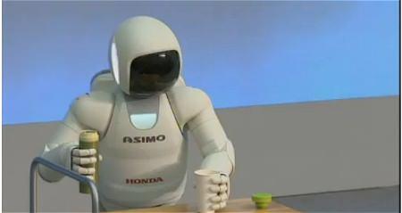 ↑ 新型ASIMOを伝える報道。