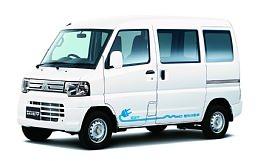 ↑ MINICAB-MiEV「CD 10.5kWh」(メーカーオプション装着車)
