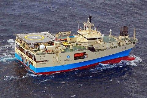 ↑ 三次元物理調査船「資源」