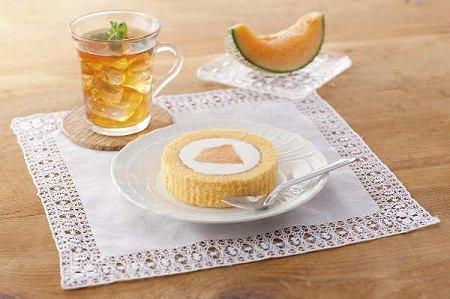 ↑ プレミアム メロンのロールケーキ(夕張メロントッピング)
