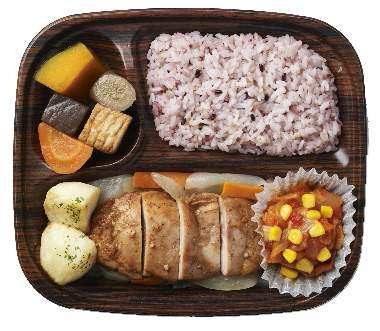 ↑ バーベキューチキンと七穀ご飯
