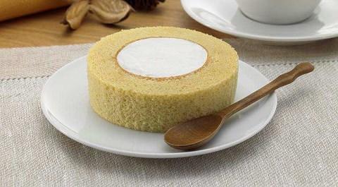 ↑ プレミアムブランのロールケーキ(小麦ふすま使用)