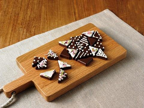 ↑ 自分でつくる パズルのように楽しむクランチチョコ