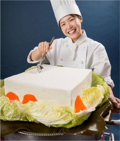↑ 巨大な湯豆腐……に見えるレアチーズケーキ