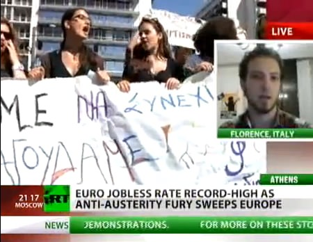 ↑ スペインの困窮を伝えるニュース映像(RT 公式)。