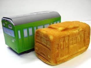 ↑ 電車パン(箱付き)