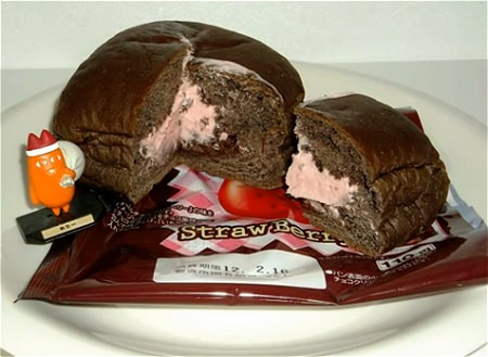 ↑ チロルチョコパン(ミルクチョコ/きなこもち/ストロベリー)