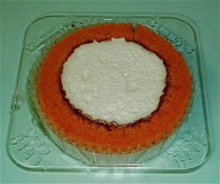 ↑ プレミアム苺(いちご)とレアチーズのロールケーキ