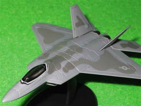 ↑ 一時期は航空自衛隊の次期主力戦闘機の候補にも挙がったF-22戦闘機