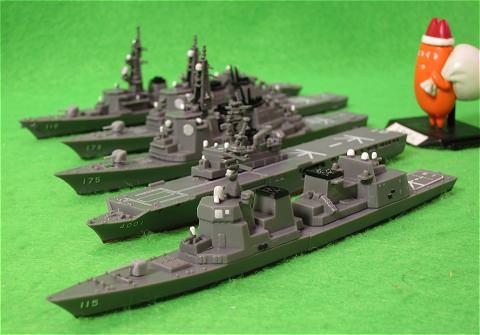 ↑  「日米共演!最強の艦艇コレクション」から護衛艦あきづき。