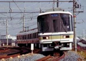 ↑ 221系近郊形電車(リニューアル前)