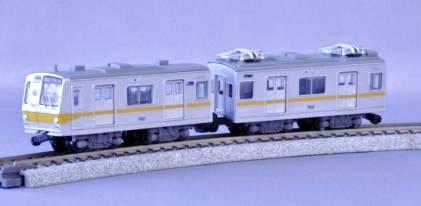 ↑ 有楽町線7000系(営団バージョン)