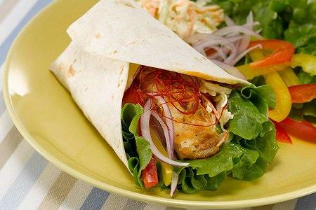 ↑ 彩り野菜とタンドリーチキン