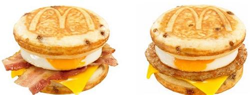 ↑ マックグリドル ベーコン&エッグ・チーズ(左)とマックグリドル ソーセージ&エッグ・チーズ(右)