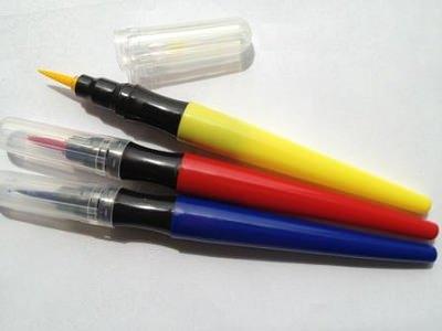 ↑ 3色ペン。青・赤・黄色