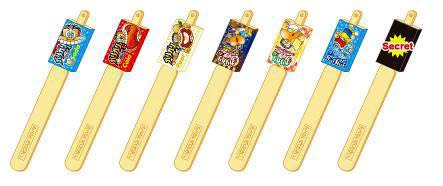 ↑ 棒部分は上部を切り離すとミニチュアマスコットになる。7種類用意されているが、1つは「当たり」