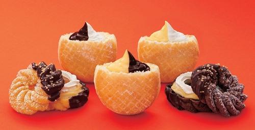 ↑ 「クリームフェスティバル」第1弾商品群。チョコ&エンゼルクリーム(左上)、エンゼル&カスタードクリーム(右上)、エンゼル&カスタードフレンチ(左下)、カスタード&チョコクリーム(中下)、エンゼル&カスタードショコラ(右下)
