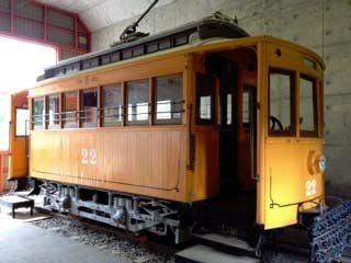 ↑ 現在札幌市交通局の交通資料館で展示中の「名電1号」。木製電車22号車として保存状態にある