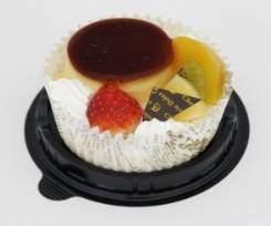 苺とフルーツのプリンケーキ