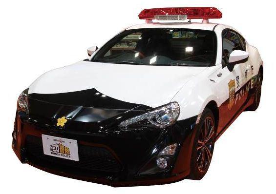 ↑ 実車版の「トミカ警察 トヨタ86パトロールカー」